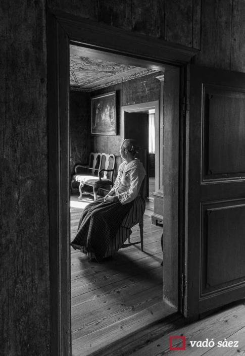 Treballadora del Museu d'història de Suècia descansant
