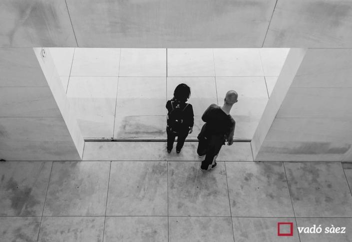 Parella visitant el CaixaForum
