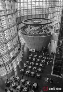 Interior del National Art Center a Tòquio
